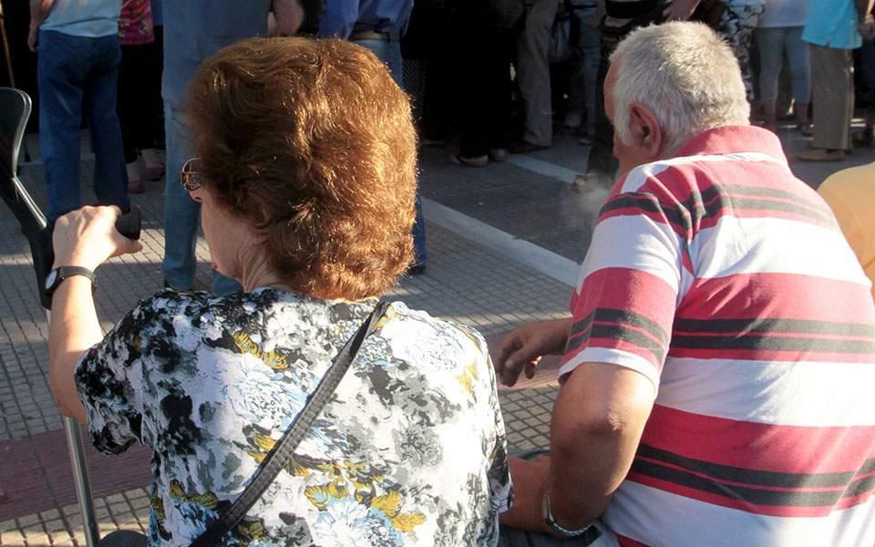 Τι λένε οι Συνεργαζόμενες Συνταξιοδοτικές Οργανώσεις Λάρισας για τις καθυστερήσεις των εμβολιασμών για την πανδημία