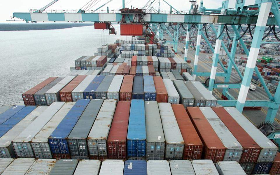 Πτώση εξαγωγών κατά 13,5% το πρώτο πεντάμηνο