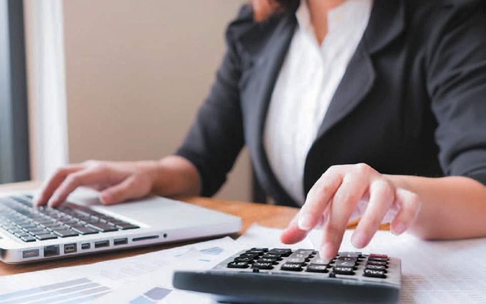 Χρεωστική μία στις τρεις φορολογικές δηλώσεις με μέσο φόρο 911 ευρώ