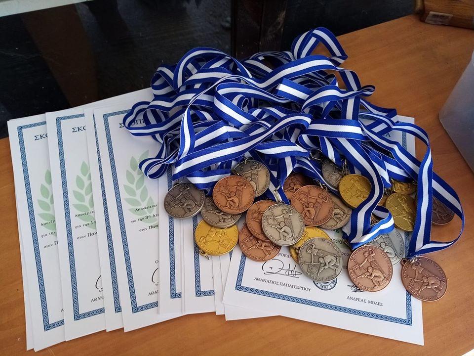 Δώδεκα χρυσά για τον Σκοπευτικό Όμιλο Φαρσάλων