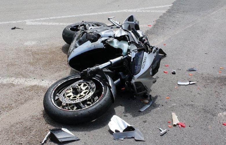 Τροχαίο ατύχημα στη Λάρισα - Αυτοκίνητο συγκρούστηκε με μηχανάκι - Στο νοσοκομείο ένας άντρας