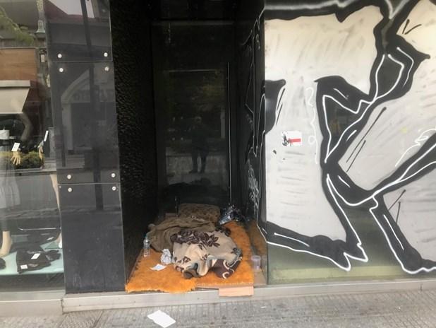 Πληθαίνουν οι άστεγοι στην πόλη της Λάρισας