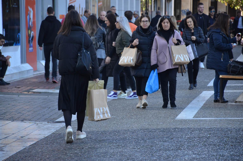 Αυτά είναι τα καταστήματα που θα λειτουργήσουν την Κυριακή 3 Ιανουαρίου στη Λάρισα