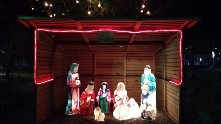Αναψε το χριστουγεννιάτικο δέντρο στη Φιλιππούπολη