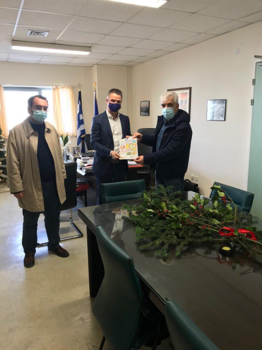 Στα νοσοκομεία της Λάρισας ο πρόεδρος του Περιφερειακού Συμβουλίου (φώτο)