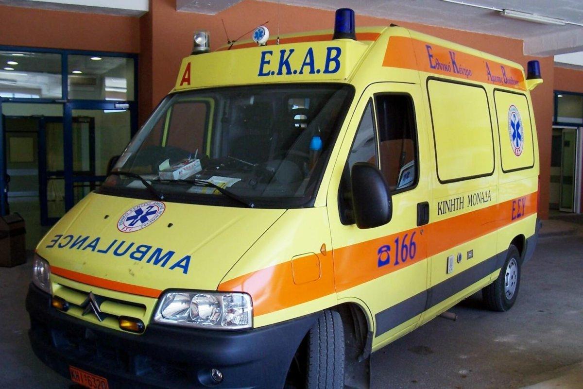 Σύγκρουση αυτοκινήτων στη Λάρισα – Στο νοσοκομείο ο ένας οδηγός