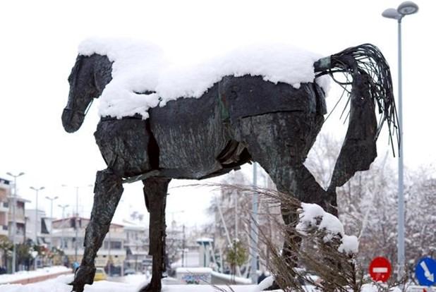 Στην Λάρισα μία από τις επιλεκτικές χιονοπτώσεις του