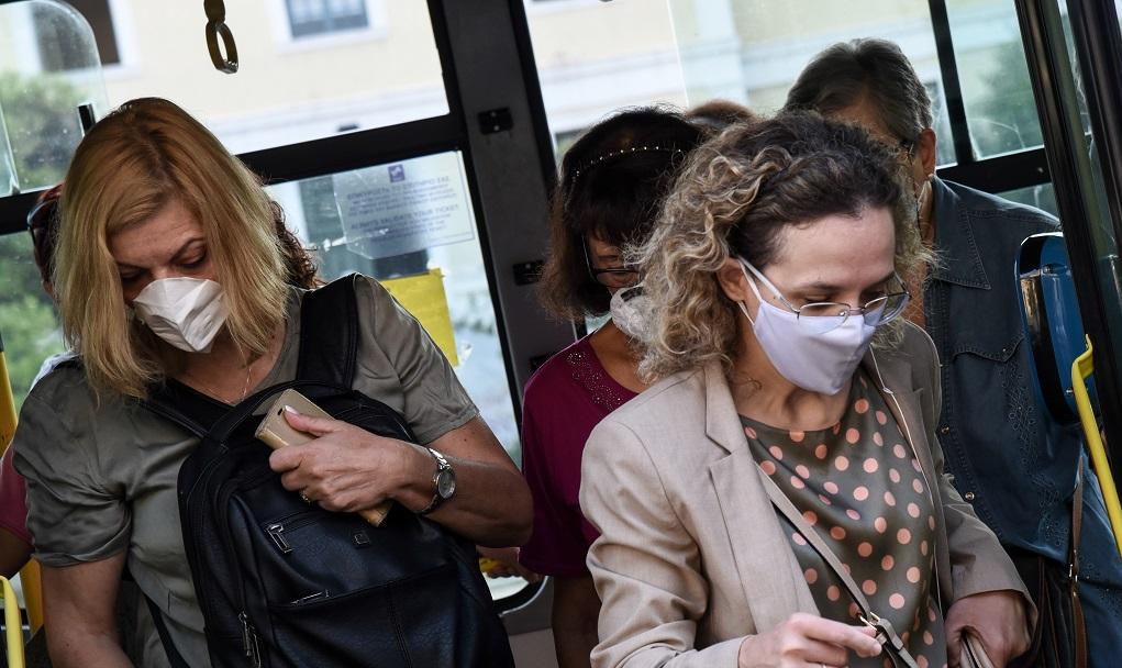 ΠΟΥ: Οι υφασμάτινες μάσκες είναι αποτελεσματικές και για τα νέα στελέχη του κορονοϊού