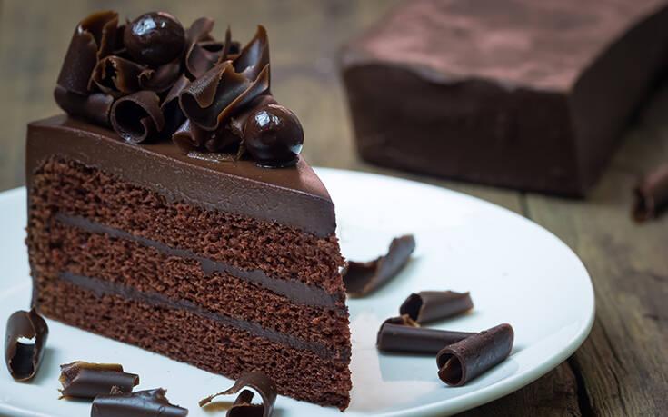 Μάθε την τεχνική του επαγγελματία στα σοκολατένια γλυκά