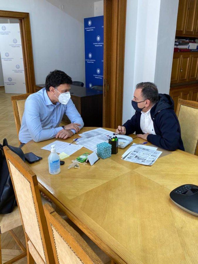 Κέλλας: Περισσότερα εμβόλια στη Λάρισα, ενίσχυση των εμβολιαστικών κέντρων του Νομού