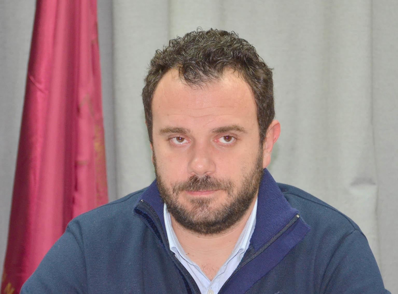 Ο Θάνος Αδαμόπουλος απαντάει στην Λαϊκή Συσπείρωση για ΣΕΑ αλλά και αντικατάσταση οδοφωτισμού
