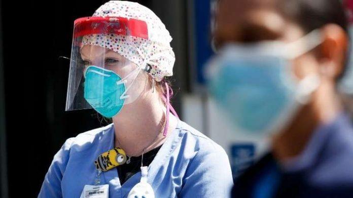 Κορονοϊός ΗΠΑ: Ο αριθμός των θανάτων πλησιάζει τις 500.000