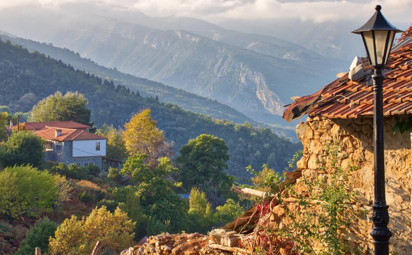 Το χωριό του Ολύμπου που μοιάζει να ακουμπάει τον ουρανό