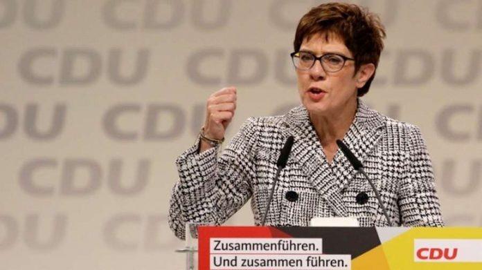 Το Βερολίνο χαιρετίζει την παραμονή των αμερικανικών δυνάμεων στη Γερμανία