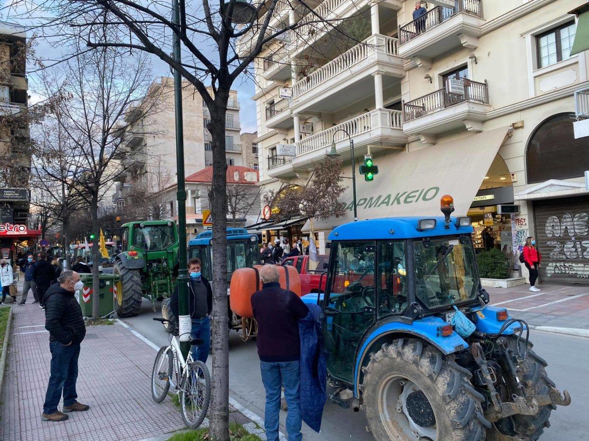Οι αγρότες έχουν βγάλει Amber Alert για τον Σπήλιο Λιβανό - την Τετάρτη με τα τρακτερ στην κεντρική πλατεία