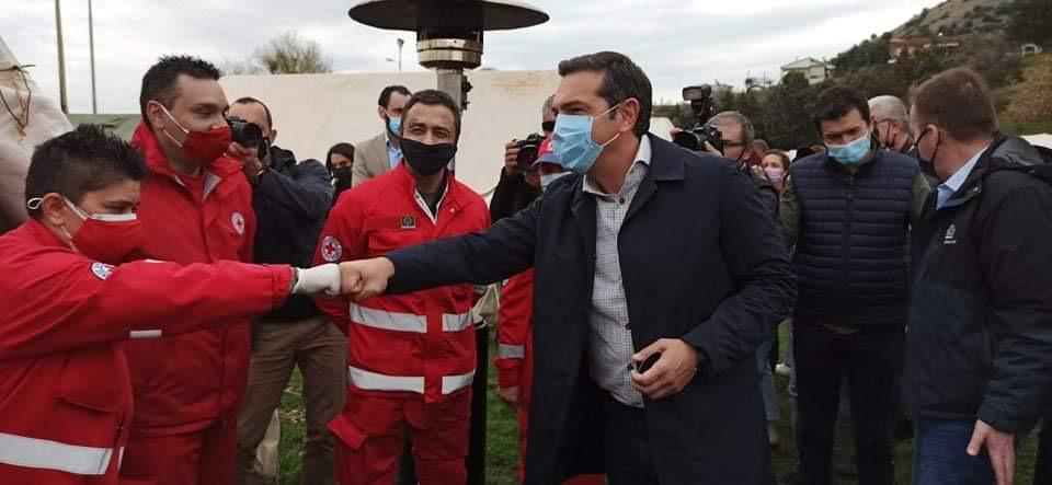 Τσίπρας από Δαμάσι: Προέχει να δοθούν οι αποζημιώσεις – Κατ' εξαίρεση εμβολιασμός των πληγέντων