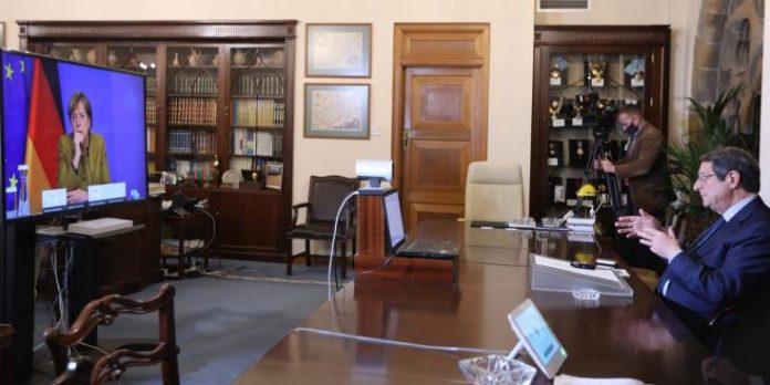 Κύπρος: Ο Αναστασιάδης μίλησε με Μέρκελ και την παρακάλεσε να διαβιβάσει μήνυμα στον Ερντογάν