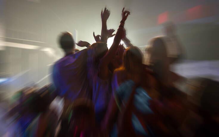 Βρετανία: Αναζητούνται εθελοντές να… διασκεδάσουν σε κλαμπ