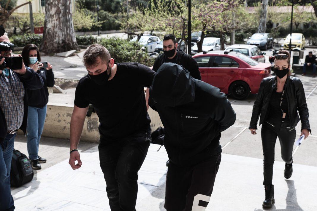 Λάρισα: Συλλήψεις για κοκαΐνη, σουγιάδες, χασίς και απειλές κατά αστυνομικών