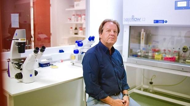 Aχ. Γραβάνης: Γιατί τα μονοκλωνικά αντισώματα δεν υποκαθιστούν τα εμβόλια