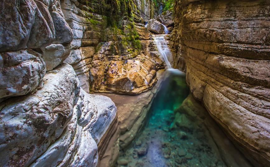 Κολυμπήθρες: Οι εντυπωσιακές φυσικές πισίνες στον ορεινό όγκο των Ιωαννίνων