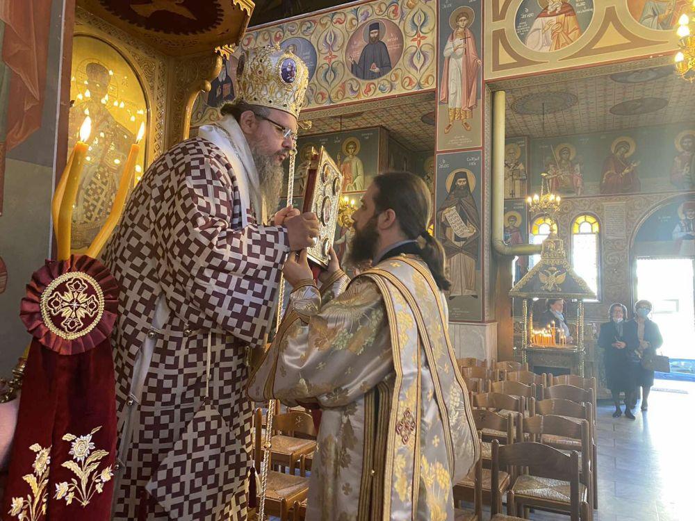 Λάρισα: Στον Ιερό Ναό του Αγίου Γεωργίου εξ Ιωαννίνων Λαρίσης τέλεσε τον Εσπερινό και τη Θεία Λειτουργία του Μεγάλου Βασιλείου ο Ιερώνυμος