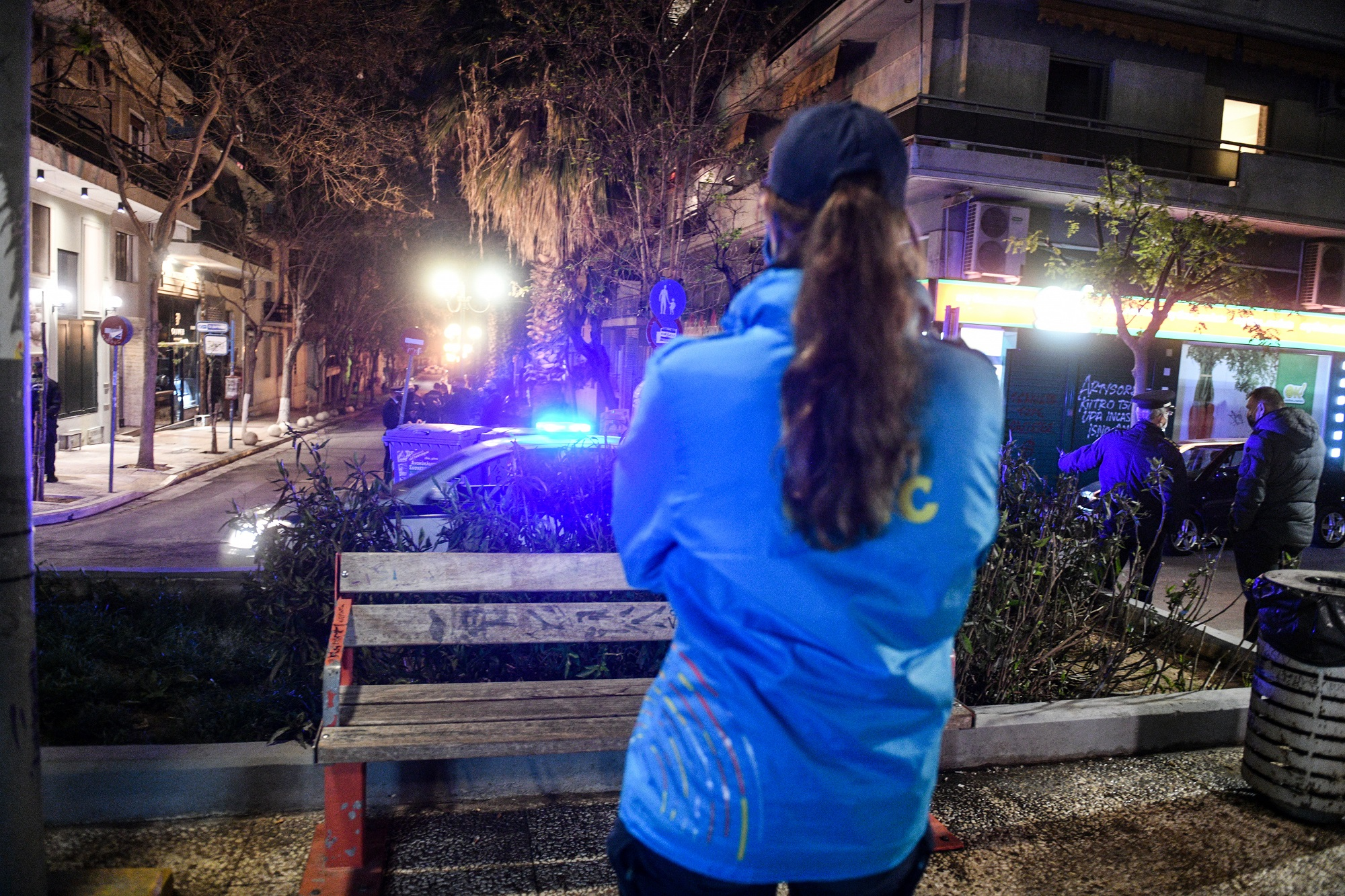 Προβληματισμός για τα κορονοπάρτι με εκατοντάδες θαμώνες στην Αττική