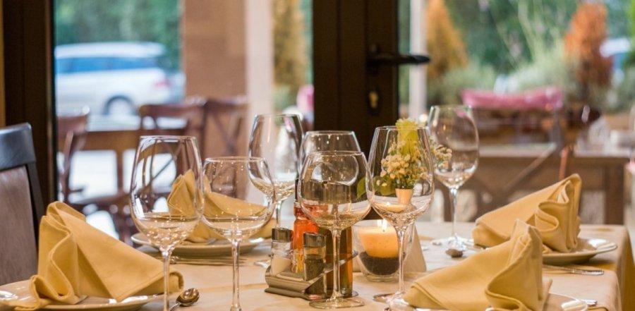 4 στα 10 εστιατόρια της Λάρισας δεν άνοιξαν τη Δευτέρα