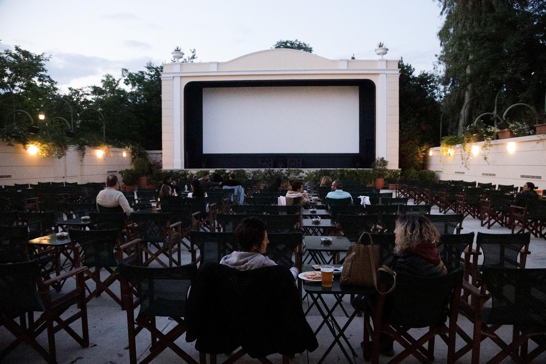 Ν. Γιατρομανωλάκης: Τον Μάιο ανοίγουν τα μουσεία – Το σχέδιο για συναυλίες, κινηματογράφους (audio)