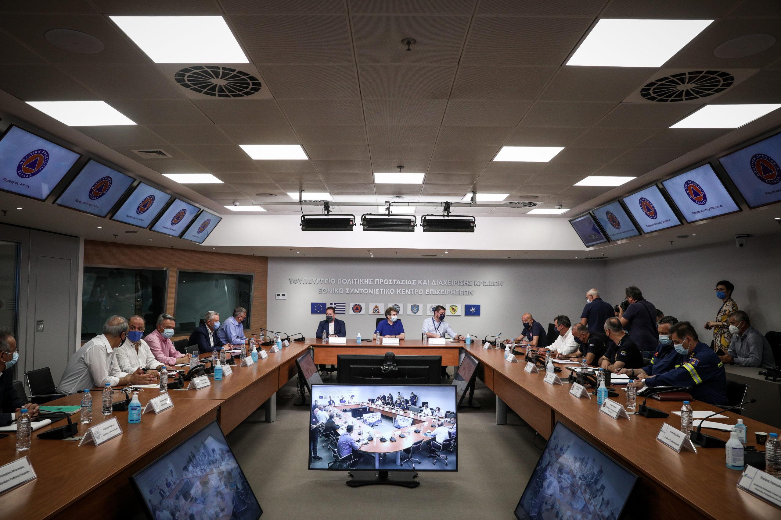 Πυροπροστασία: Πρόγραμμα 300 εκατ. ευρώ για τα επόμενα πέντε χρόνια – Τι αποφασίστηκε στην έκτακτη σύσκεψη (video)