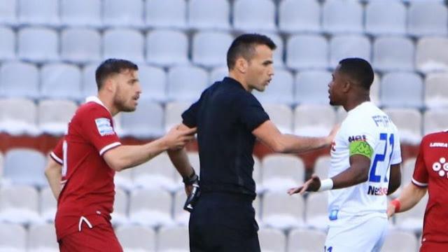 Τι έγραψε ο Μανούχος στο φύλλο αγώνα του ΑΕΛ-ΠΑΣ Γιάννινα!