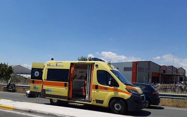 Τροχαίο με τραυματία στον δρόμο Λάρισας Τυρνάβου - ΦΩΤΟ