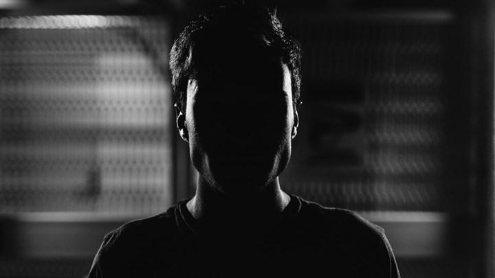 Σοκ: Χειροπέδες σε 52χρονο που φέρεται να παρενοχλούσε σεξουαλικά μαθητή