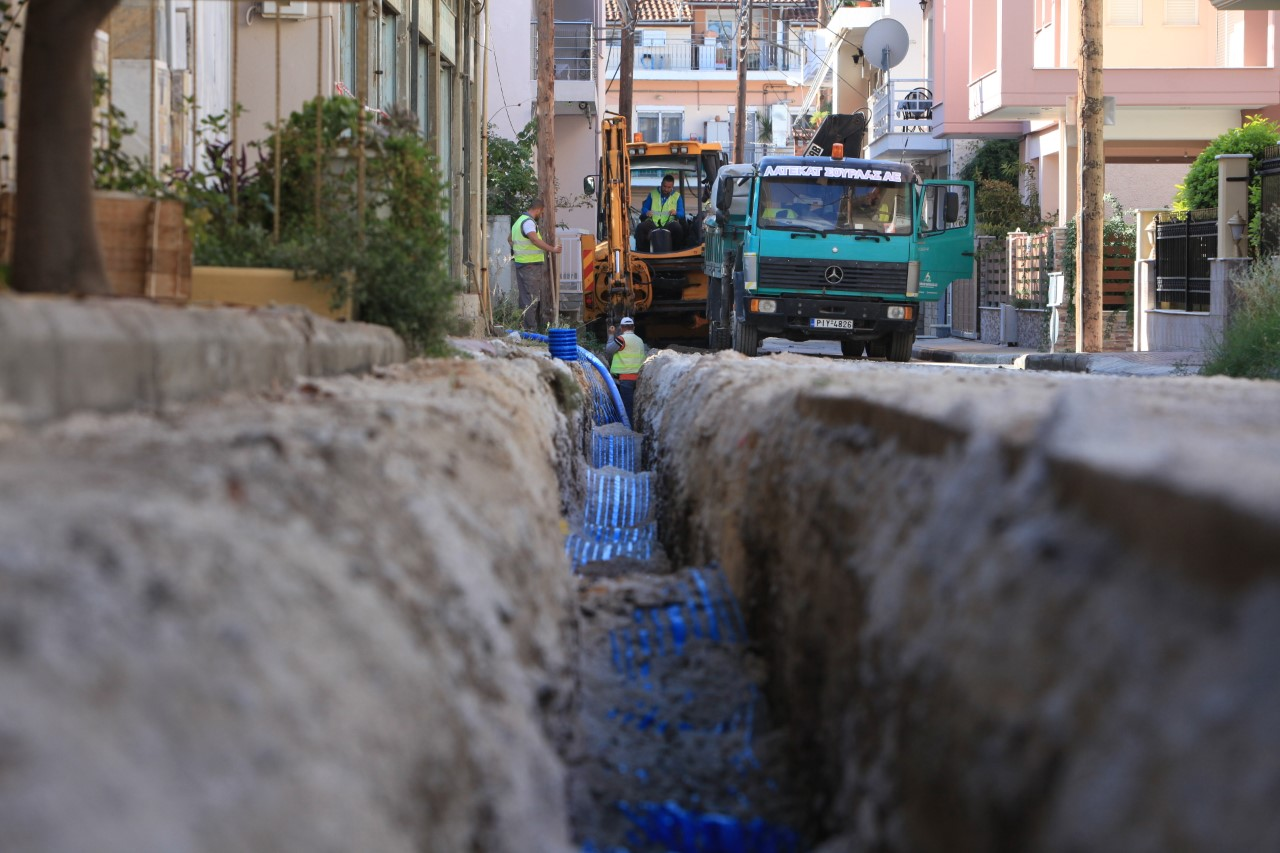 Η ΔΕΥΑΛ αλλάζει τα δίκτυα ύδρευσης σε συνοικίες της Λάρισας