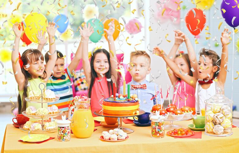 Σύμμαχοι της εξάπλωσης του κορονοϊού τα παιδικά πάρτι
