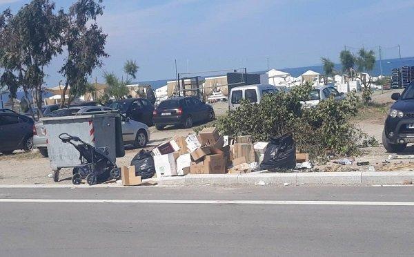 Συνεχίζουν να κάνουν πάρτι τα σκουπίδια στον Αγιόκαμπο ΦΩΤΟ