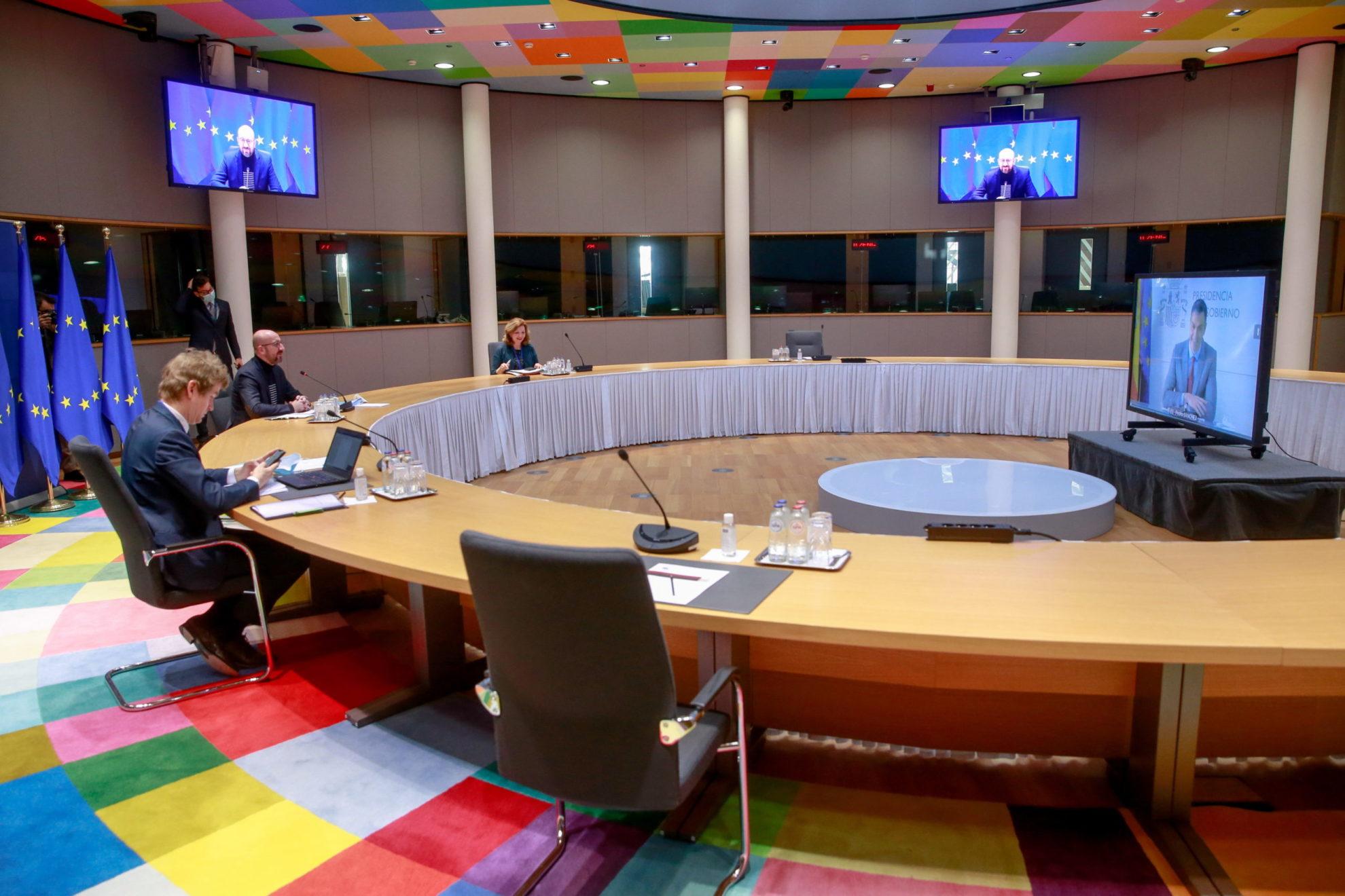 """Σύνοδος Κορυφής ΕΕ: Ψηλά στην ατζέντα το προσφυγικό – Στο """"τραπέζι"""" και το Κυπριακό"""