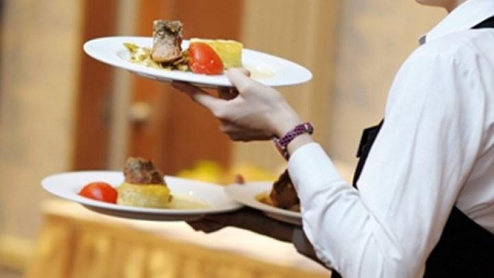 Τι αποκάλυψε ο Σπύρος Μπιμπίλας για τους ηθοποιούς που πήγαν σε κάστινγκ και έγιναν... σερβιτόροι