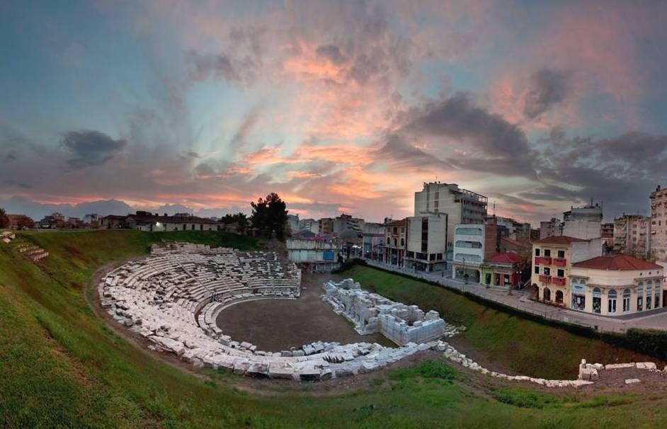 Ποια είναι η ημερομηνία-ορόσημο για το Αρχαίο Θέατρο και τον Λόφο του Φρουρίου στη Λάρισα