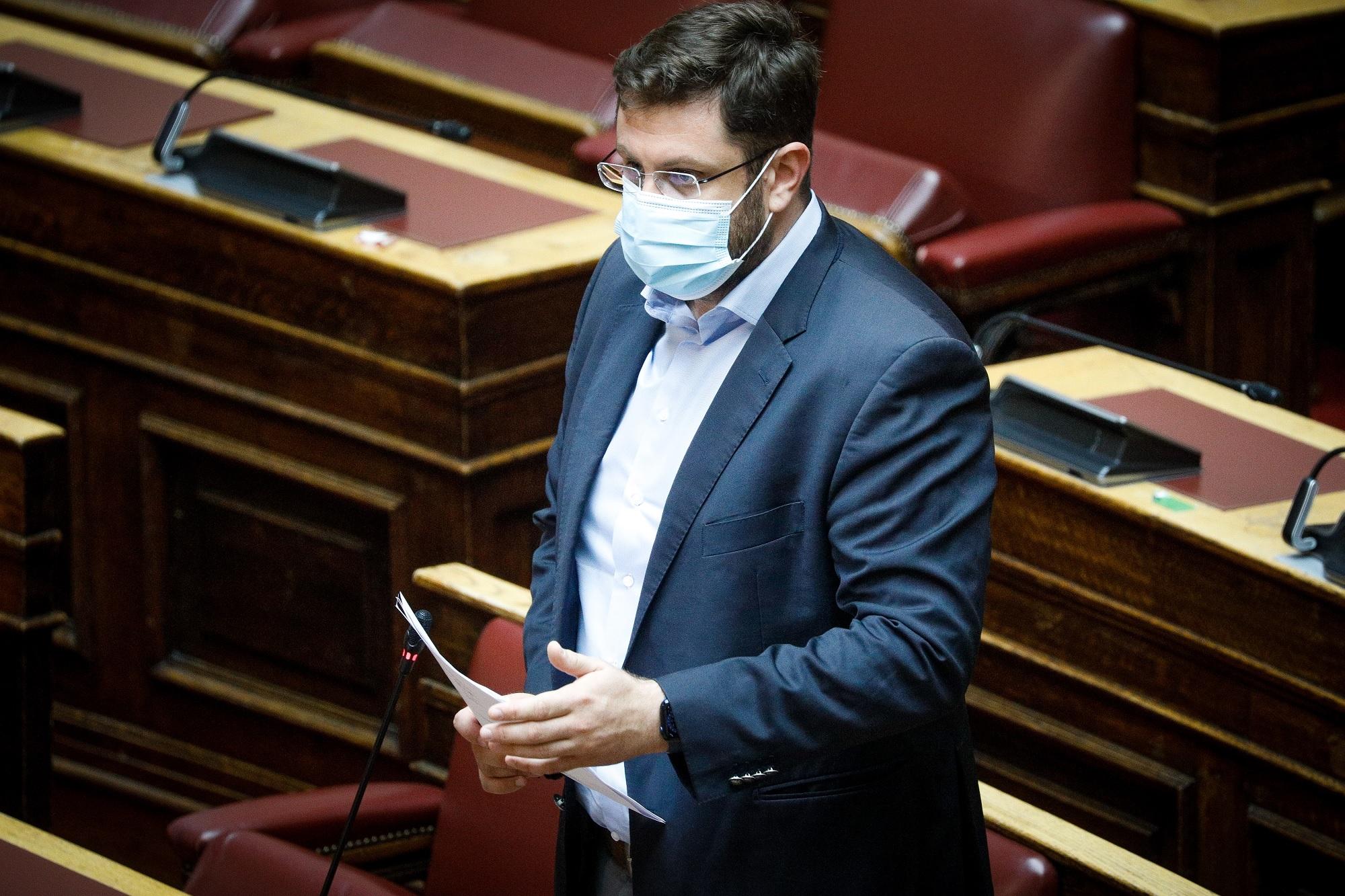 """Κ. Ζαχαριάδης στο Πρώτο: «Όχι» στο διχασμό για τα εμβόλια – """"Κλωτσιά"""" Μητσοτάκη σε οποιαδήποτε προσπάθεια συνεννόησης (audio)"""