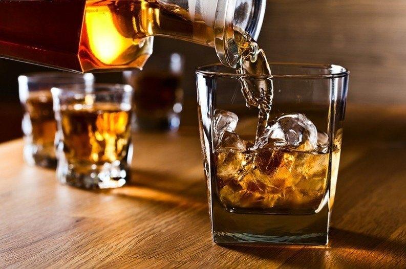 Συνελήφθη υπεύθυνος μπαρ των Τρικάλων για… διατάραξη κοινής ησυχίας!