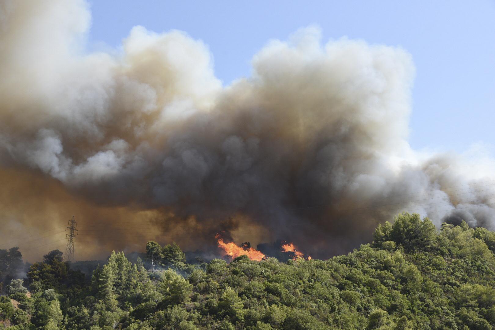 Μ. Χρυσοχοΐδης για Αχαΐα: Διερευνώνται τα αίτια της πυρκαγιάς στην περιοχή (video)