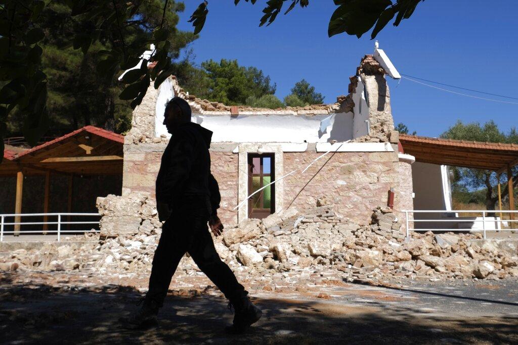 """Συμφωνία Ελλάδας-Γαλλίας: Στο """"τραπέζι"""" η αμυντική ενίσχυση του πολεμικού ναυτικού"""