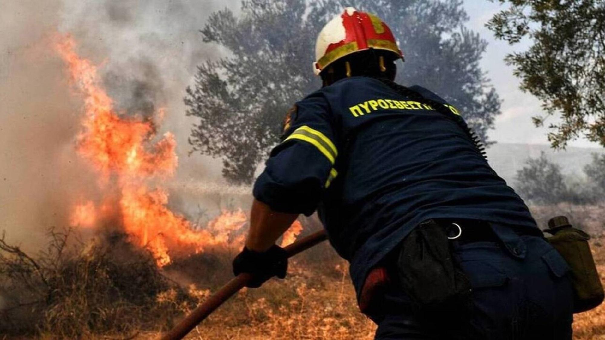 Σάμος: Συναγερμός για φωτιά στο παλιό ΚΥΤ – Εκκενώθηκε η δομή μεταναστών